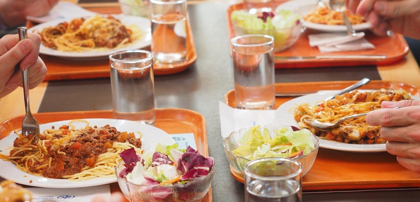 ristorazione scolastica raccomandazioni alimentazri